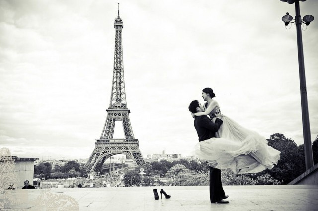 pre wedding photoshoot in Paris